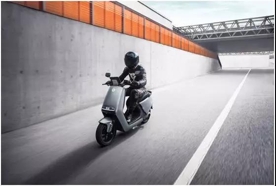 雅迪G5亮相米兰展,成为雅迪拓展全球市场的国际信号!