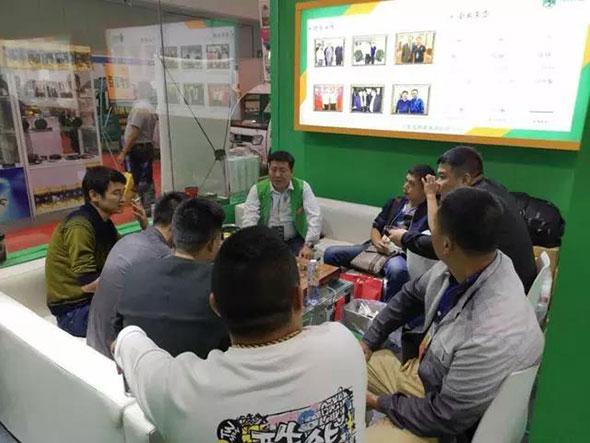 6省代当场签约、超200代理预合作 揭秘充帮主充电器赢战南京展!