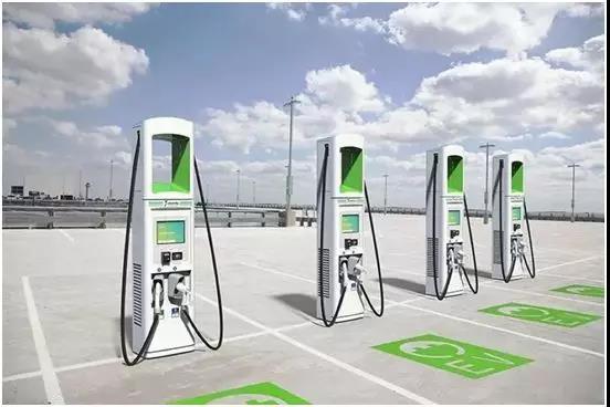 电动汽车将迎来爆发期 /2020年,1.2万充换电站/480万充电桩将覆盖国内主要城市!