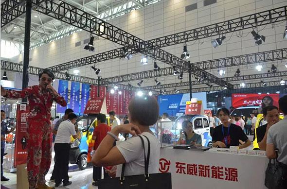 全球塑件小微车每卖出10辆就有6辆是东威品牌,济南展东威持续爆棚!