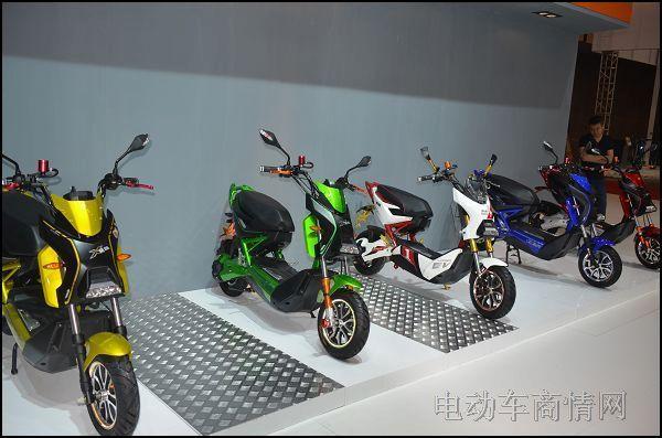 主题 雅迪/为契合展会主题,一向追求卓越,不断创新的雅迪电动车,继续将...