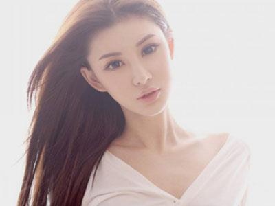 90后美女模特田思妍